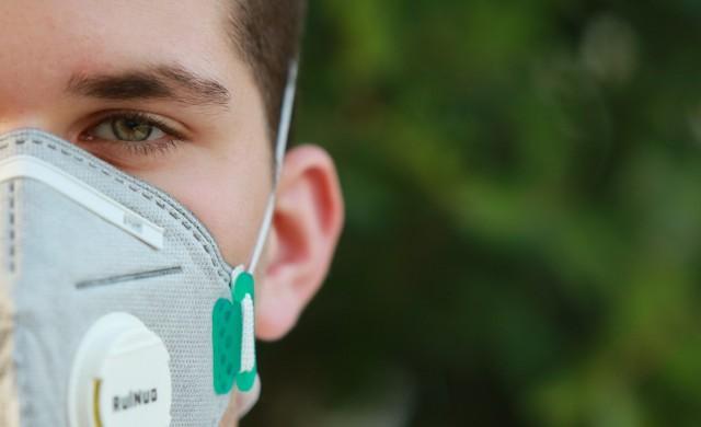 Глобиха румънския премиер и четирима министри, не носели маски