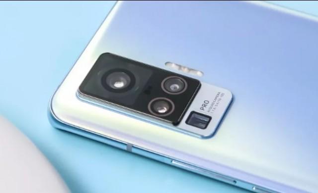 Представиха първи смартфон с вграден гимбал