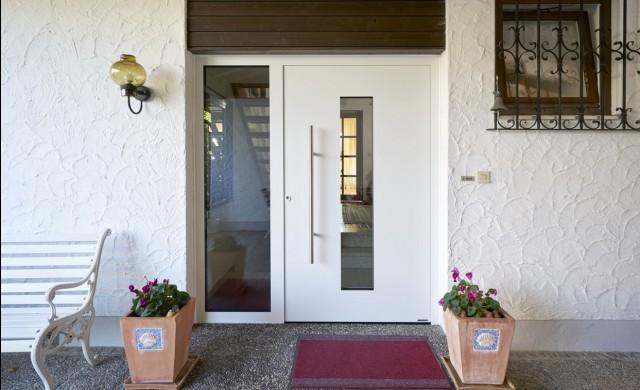 Само няколко стъпки ви делят от новата външна врата на Hörmann