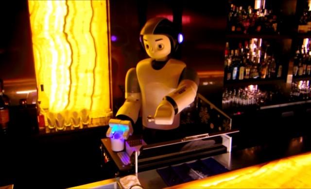 Бармани-роботи превземат корейските нощни заведения