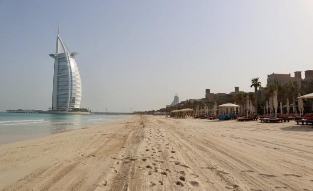 Глоби от по $800 за неспазващите правилата по плажовете в Дубай