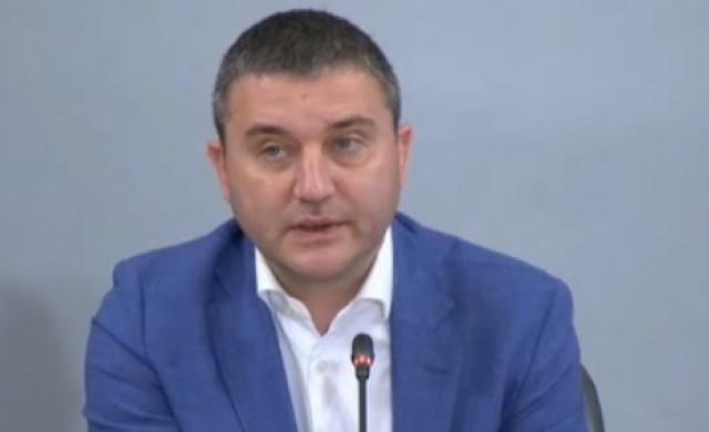Горанов: Придобиването на акции на ПИБ не е държавна помощ!