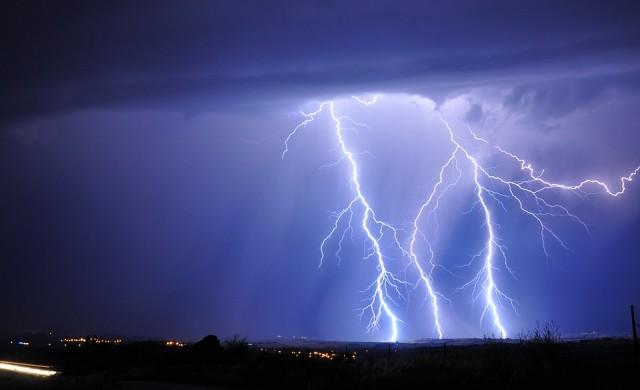 12 неща, които да не правите у дома по време на буря