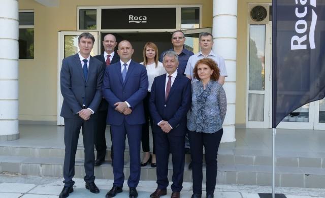 Президентът Румен Радев посети фабриката на Рока България