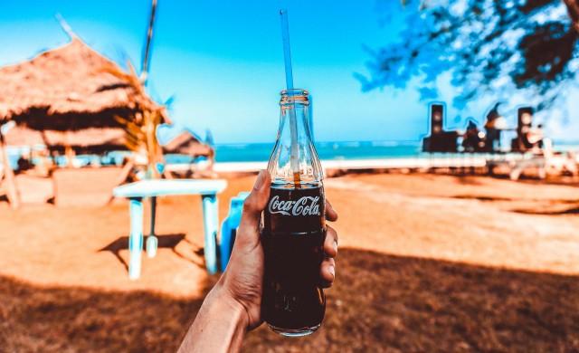 Coca-Cola спира с рекламата в социалните медии поне за 30 дни