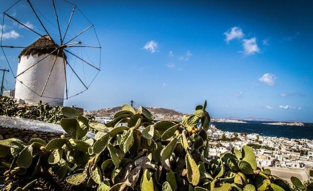 Разходка из един от най-луксозните нови хотели на Миконос (снимки)