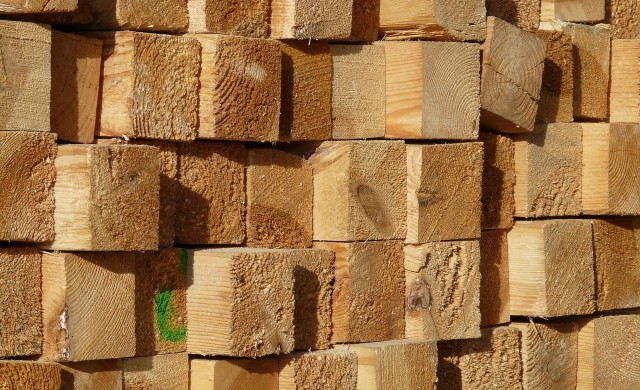 Дървеният материал с рекорден темп на поевтиняване