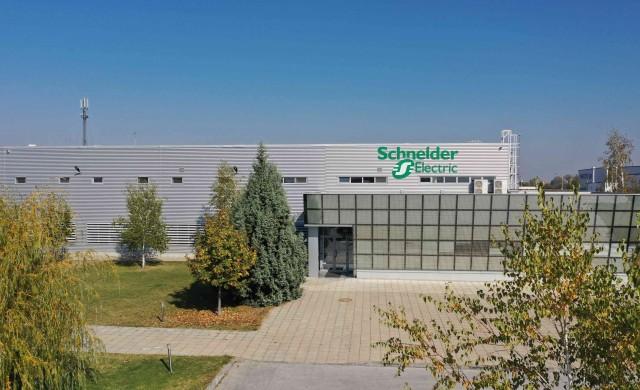 Заводът на Schneider Electric в Пловдив става център за споделяне на знания