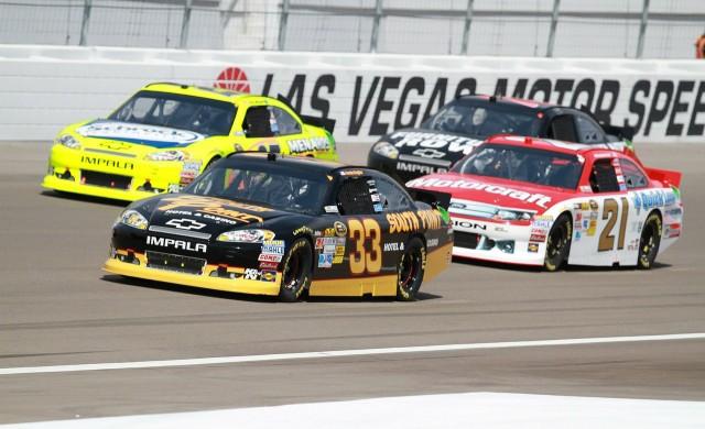 Пилот от NASCAR ще получава заплащането си в биткойни
