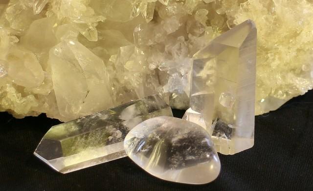 Предизвикали диамантена треска скъпоценни камъни се оказаха кварц