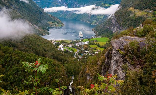 Невероятни круизи, готови да ви отведат до най-красивите места в света