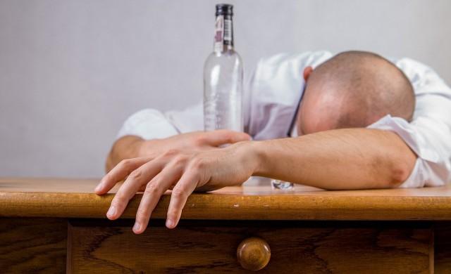 Алкохолни рекорди: В Горна Оряховица мъж шофира с 5 промила, в Бургас с 4