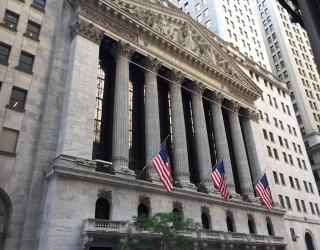 Азиатските акции поскъпват след новите рекорди на S&P500 и Nasdaq