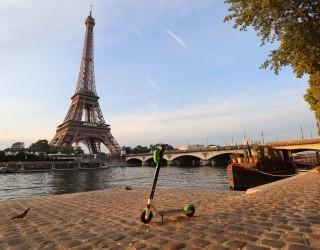 Жена почина, след като бе блъсната от електрически скутер в Париж