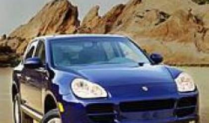 Новият модел на Порше Cayenne SUV се движи със 112 км/час с електрически двигател
