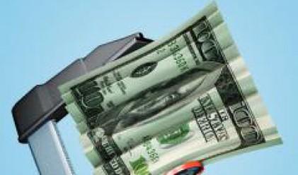Доларът разпродаван след срива на акциите на Fannie Mae и Freddie Mac