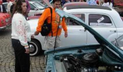 Кола на 83 г. взе голямата награда на ретропарада в Бургас