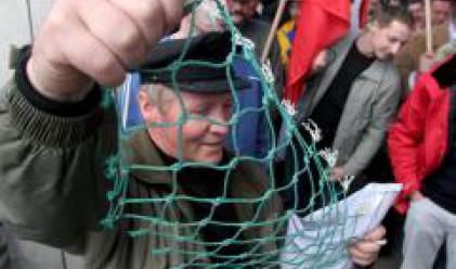 ЕС одобри помощи за рибарите заради скъпия дизел