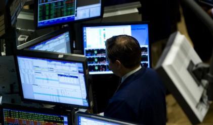 Подадените поръчки на борсата паднаха с над 30%
