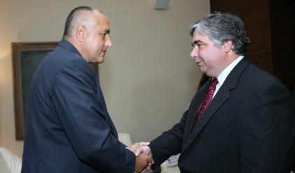 Премиерът настоя Канада да отмени визите за българи
