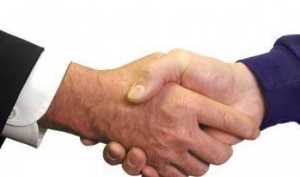 Откриха формулата на перфектното ръкостискане