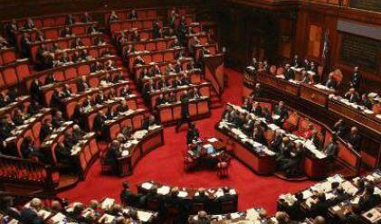 Гръцките депутати с близо 10 000 евро заплата