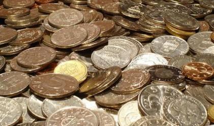 Работодател плати заплата в 18 кг жълти стотинки