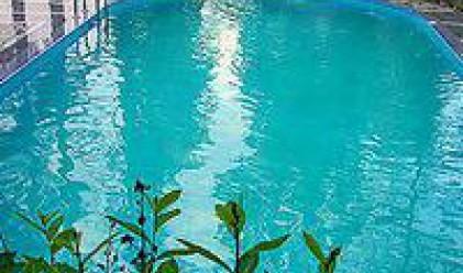 Германски медии: Внимавайте с басейните в България