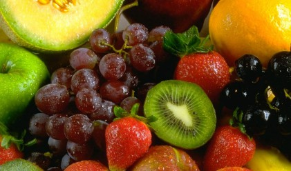 Продължава сезонното намаление на цените на плодовете