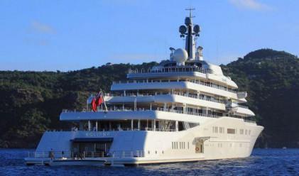 Най-голямата яхта в света се дава под наем