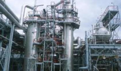 Синдикатът на нефтохимиците се готви за протест
