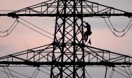 Шоковото поскъпване на тока ни прави още по-бедни