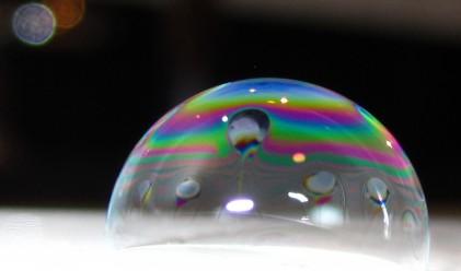 Учени изобретиха най-тънкия дисплей – направен от сапун