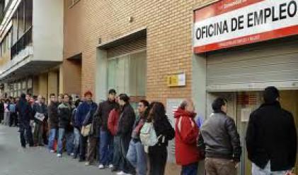 Безработицата в Испания вече гони 25%