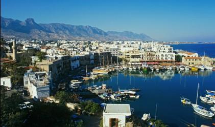 Кипър развива туризма с ...усмивки
