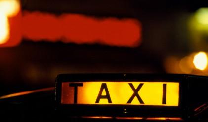Лондончанин превърна таксито си в хотел