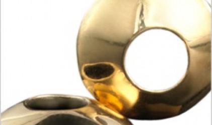 Създадоха контактни лещи от чисто злато