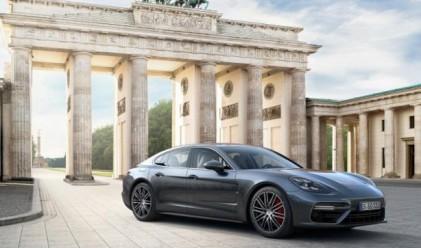 Новото Porsche Panamera със система за нощно виждане