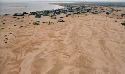 Руското село, което пясъкът погребва всяка нощ
