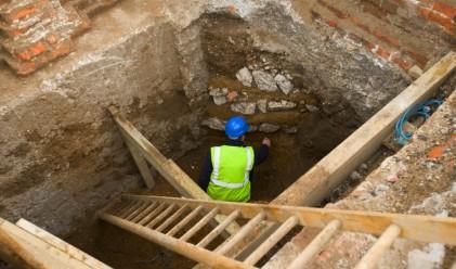 Археолози откриха антична крепост под бивша военна база на морето