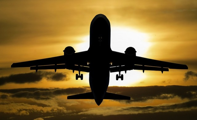 10 мита за полетите и летищата