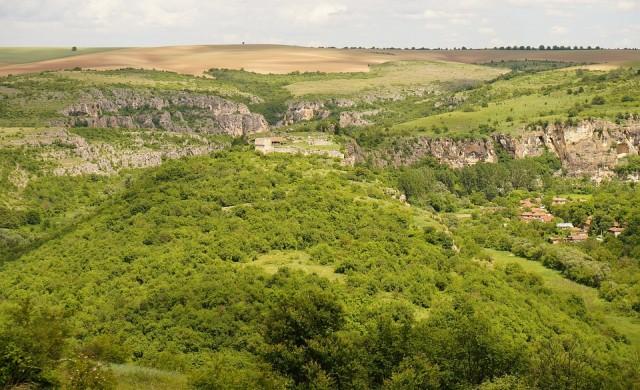 5 много красиви, но малко известни български крепости