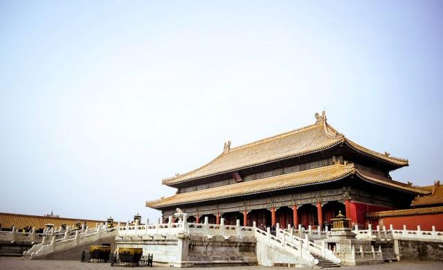 Защо Китай не иска големите й компании да инвестират в чужбина?