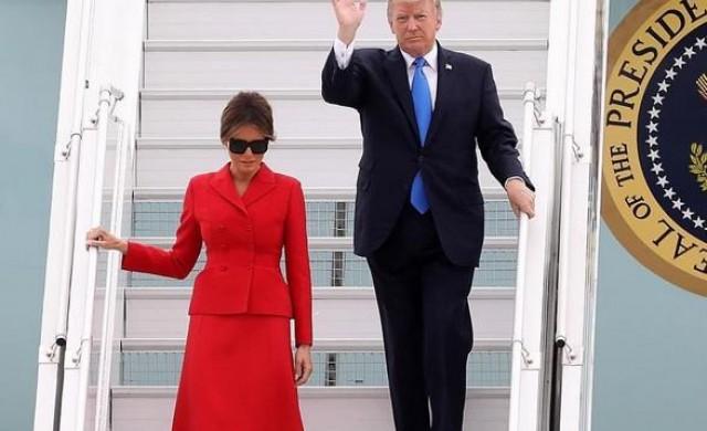 Случаен ли е модният избор на Мелания Тръмп за визитата в Париж?