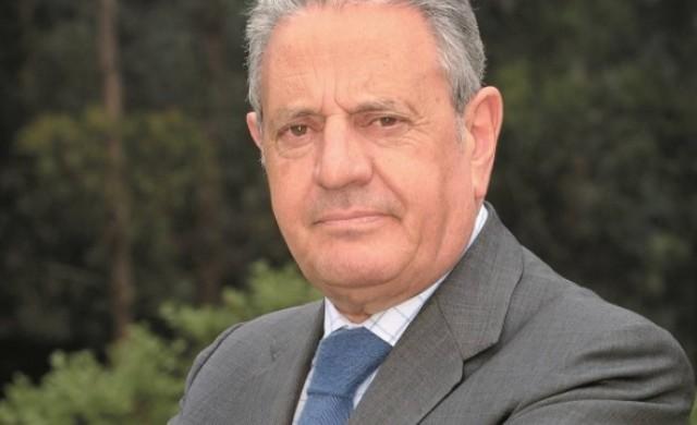 Почина най-богатият португалец, когото наричаха Краля на корка