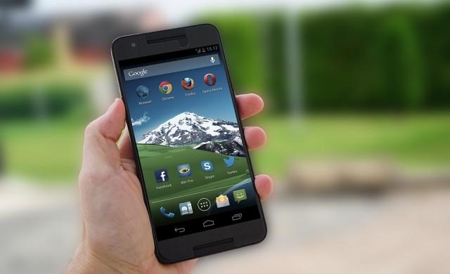 5 смартфона, които трудно се ремонтират