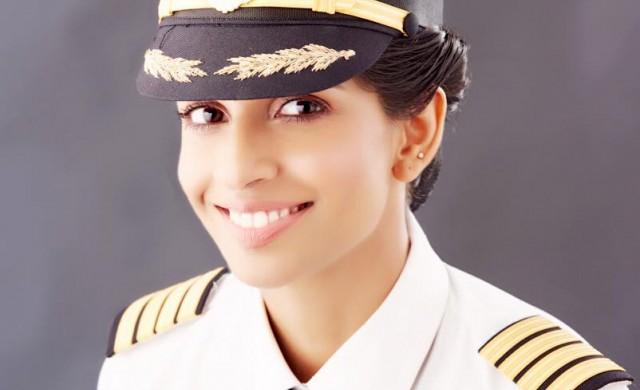 Запознайте се с най-младата жена командир на Boeing 777