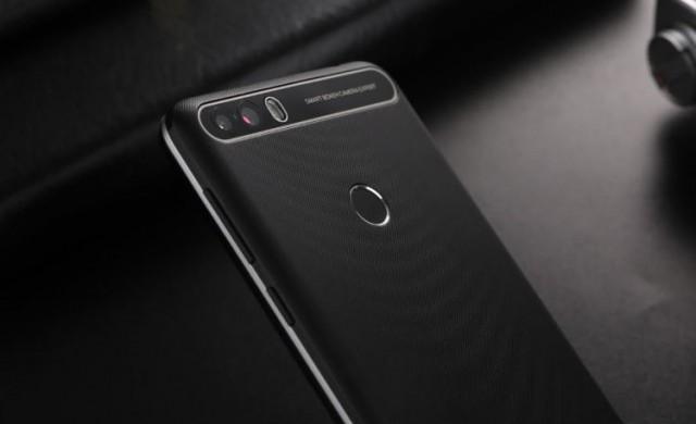 Смартфон с двойна камера срещу 60 долара