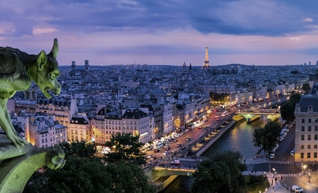 Париж предупреди туристите да се пазят от