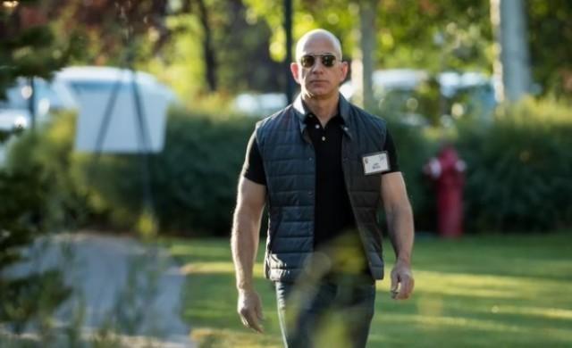 Как Джеф Безос качи Amazon на върха
